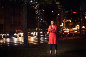 Ulrike Zecher mit rotem Mantel Foto: Tanja Deuß knusperfarben